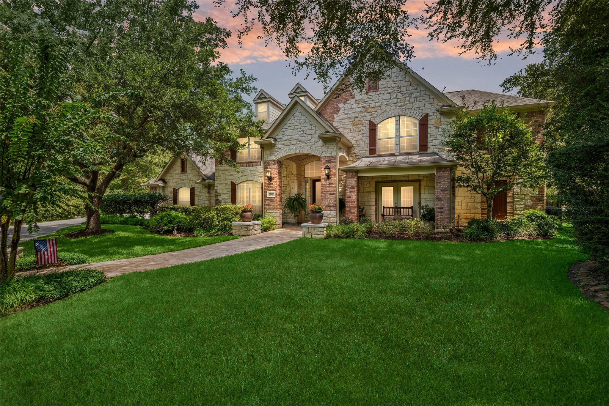 37426 Edgewater Drive Property Photo - Pinehurst, TX real estate listing