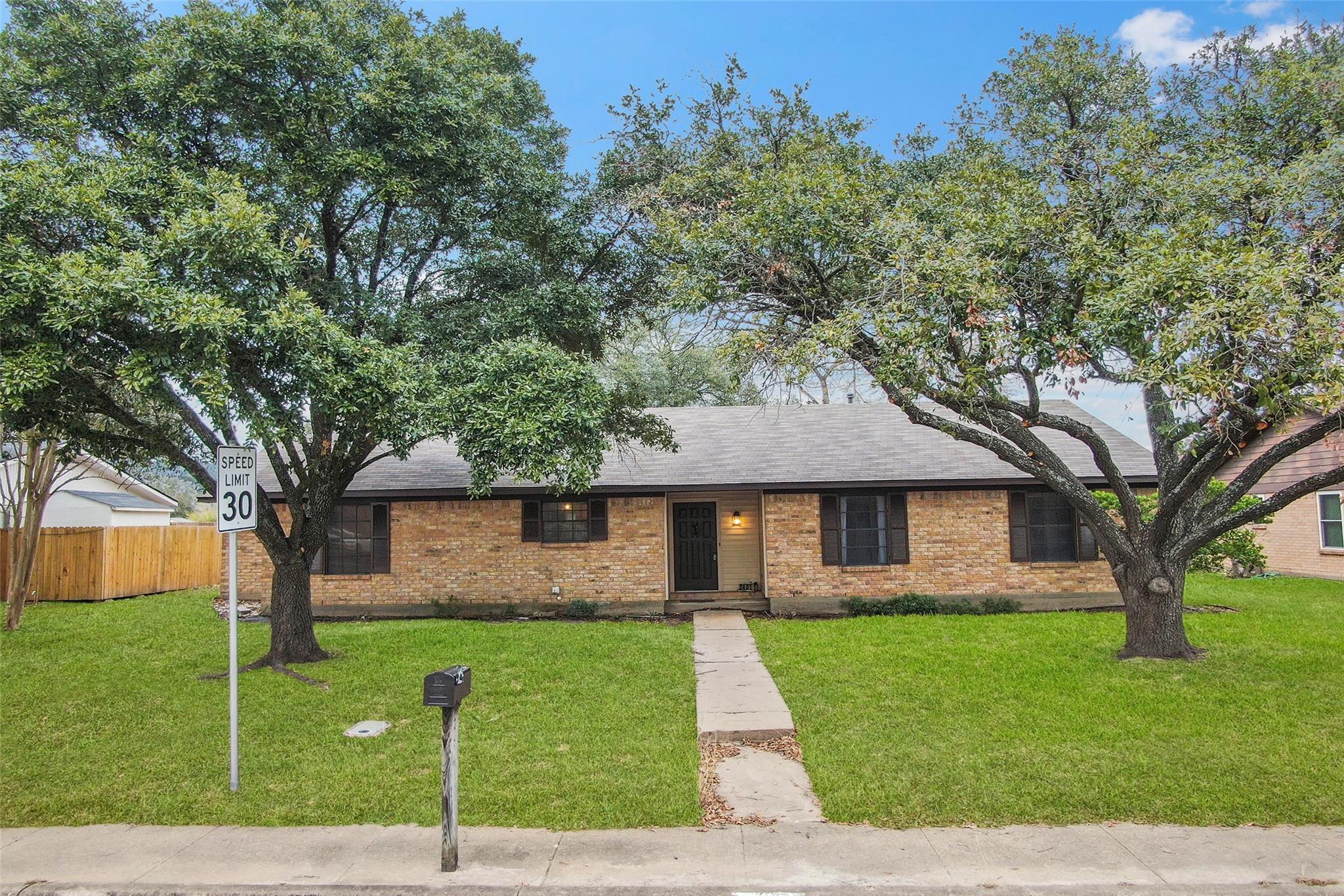 2401 Barak Lane Property Photo - Bryan, TX real estate listing