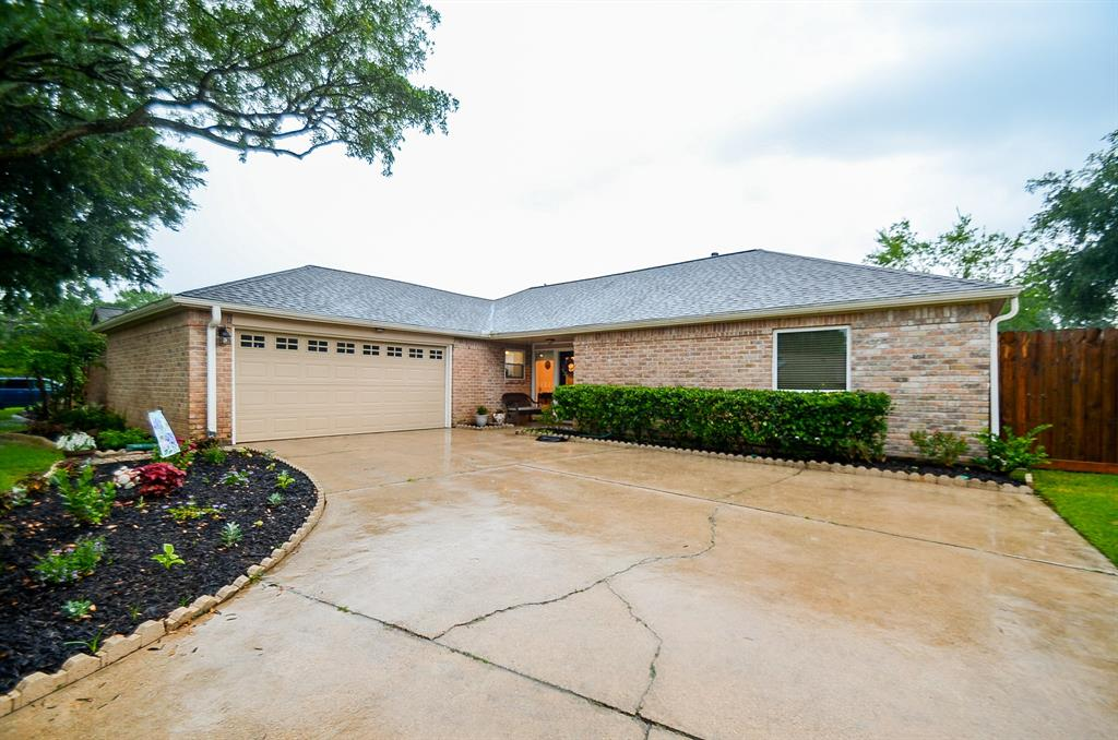 15703 Rolling Timbers Drive Property Photo - Houston, TX real estate listing