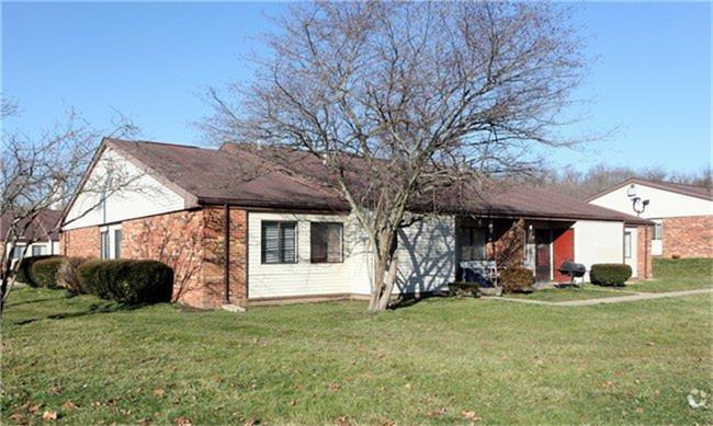 180 Sells Road Property Photo - Lancaster, OH real estate listing