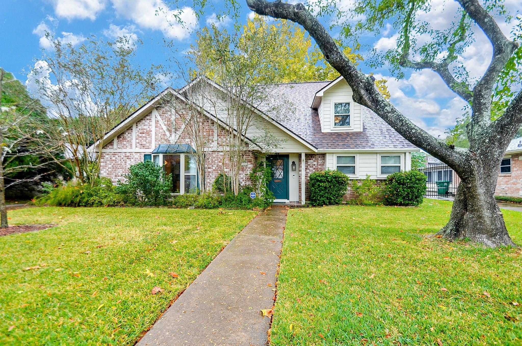 9314 Carvel Lane Property Photo - Houston, TX real estate listing