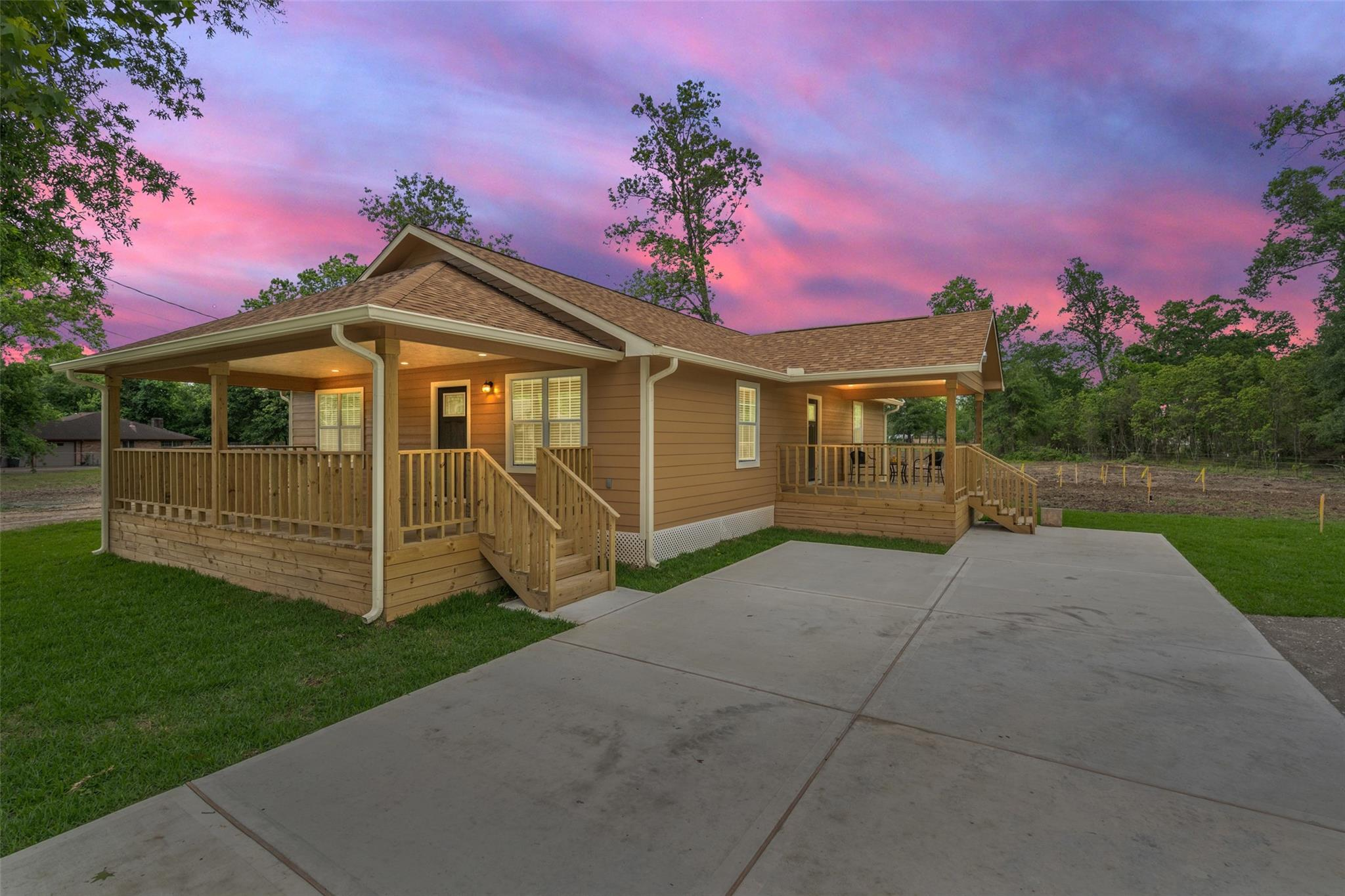 16911 Laurelwood Drive Property Photo