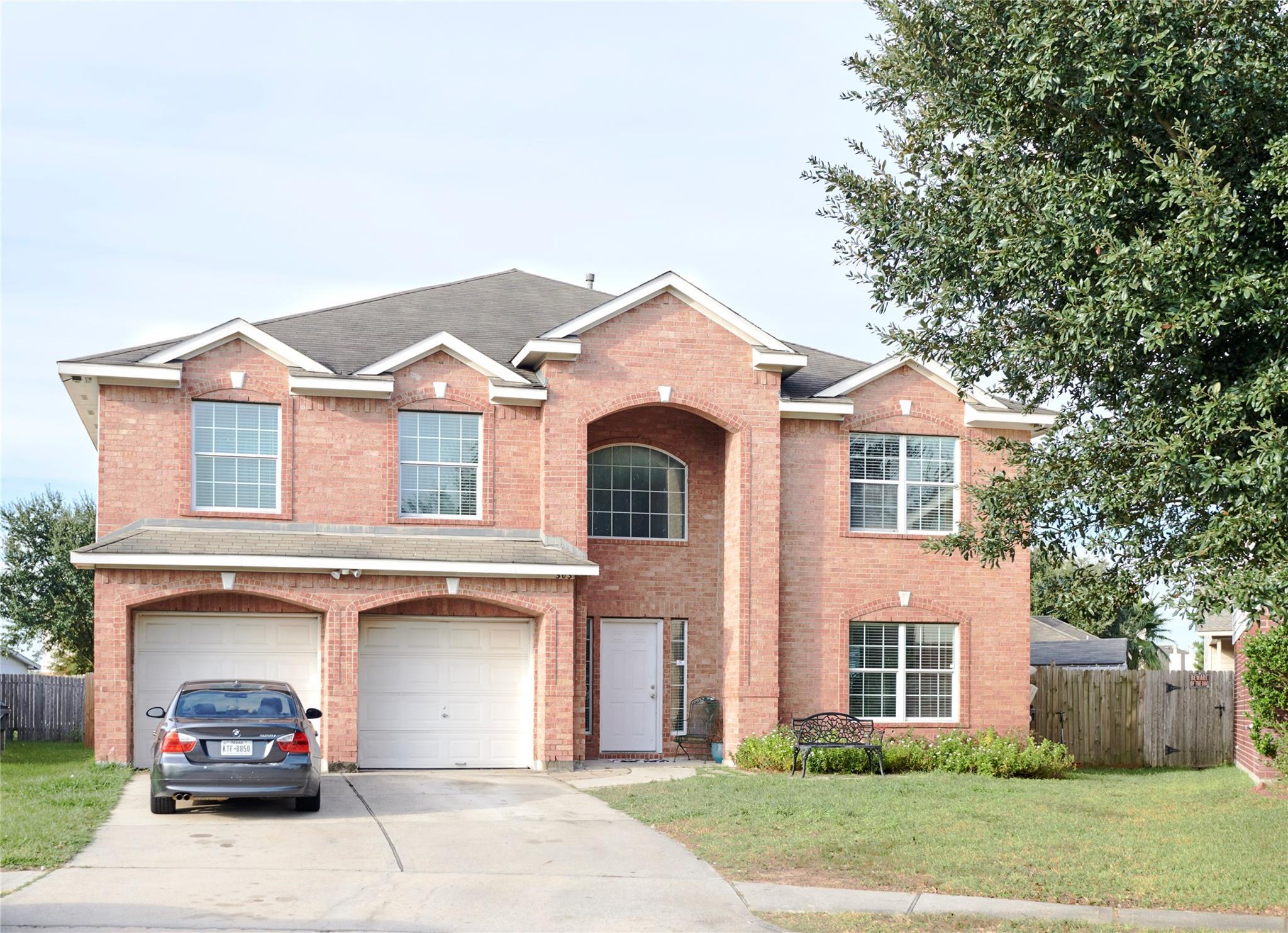303 Gateship Drive Property Photo - Houston, TX real estate listing