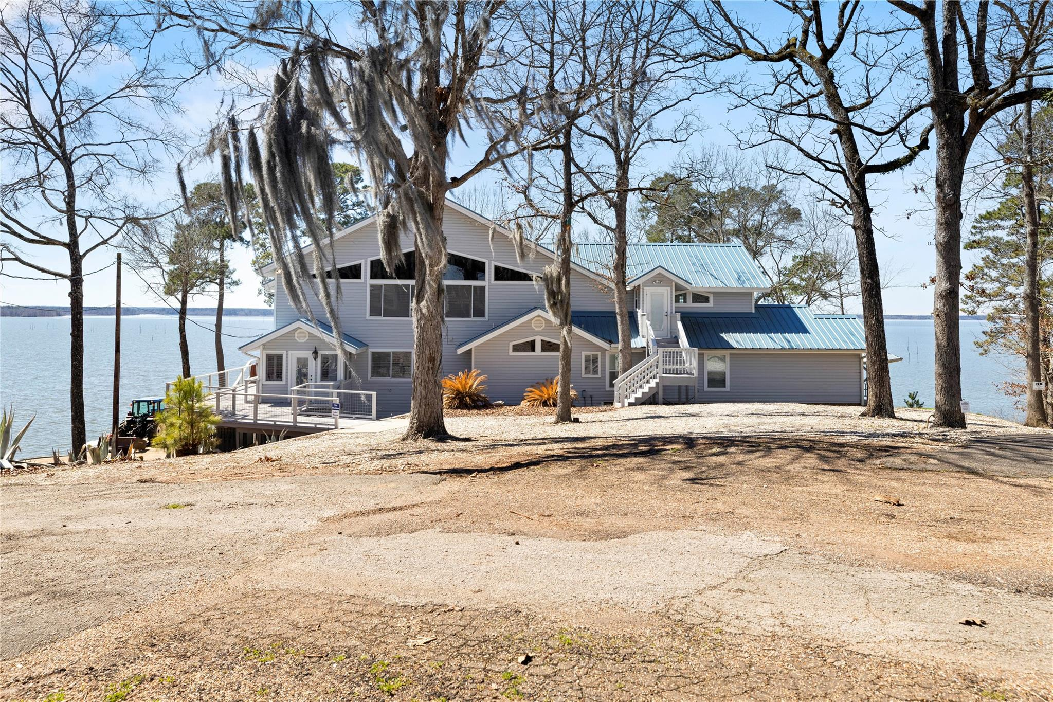 162 Lakewood Drive Property Photo - Etoile, TX real estate listing