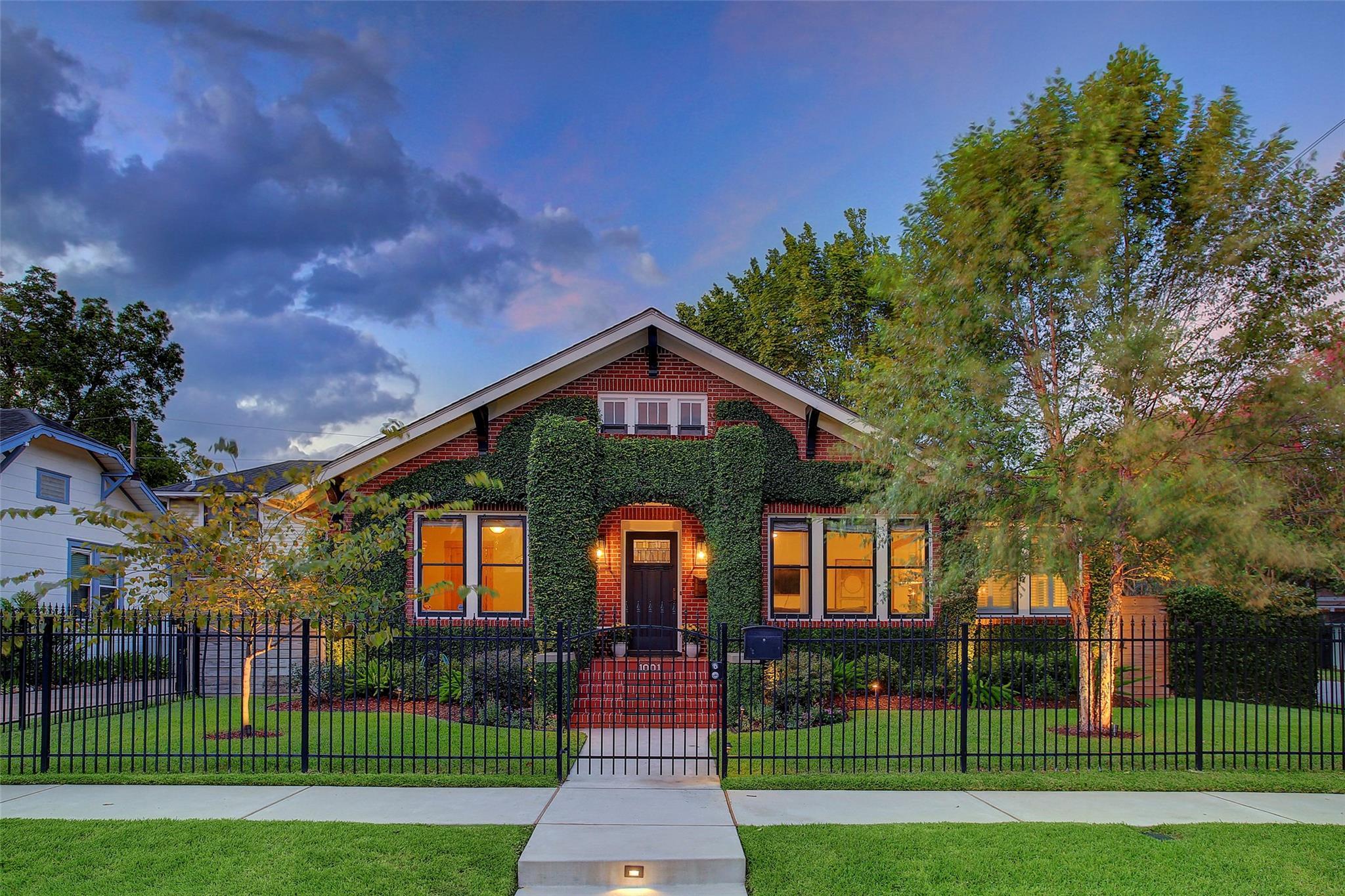 1001 Bayland Avenue Property Photo 1