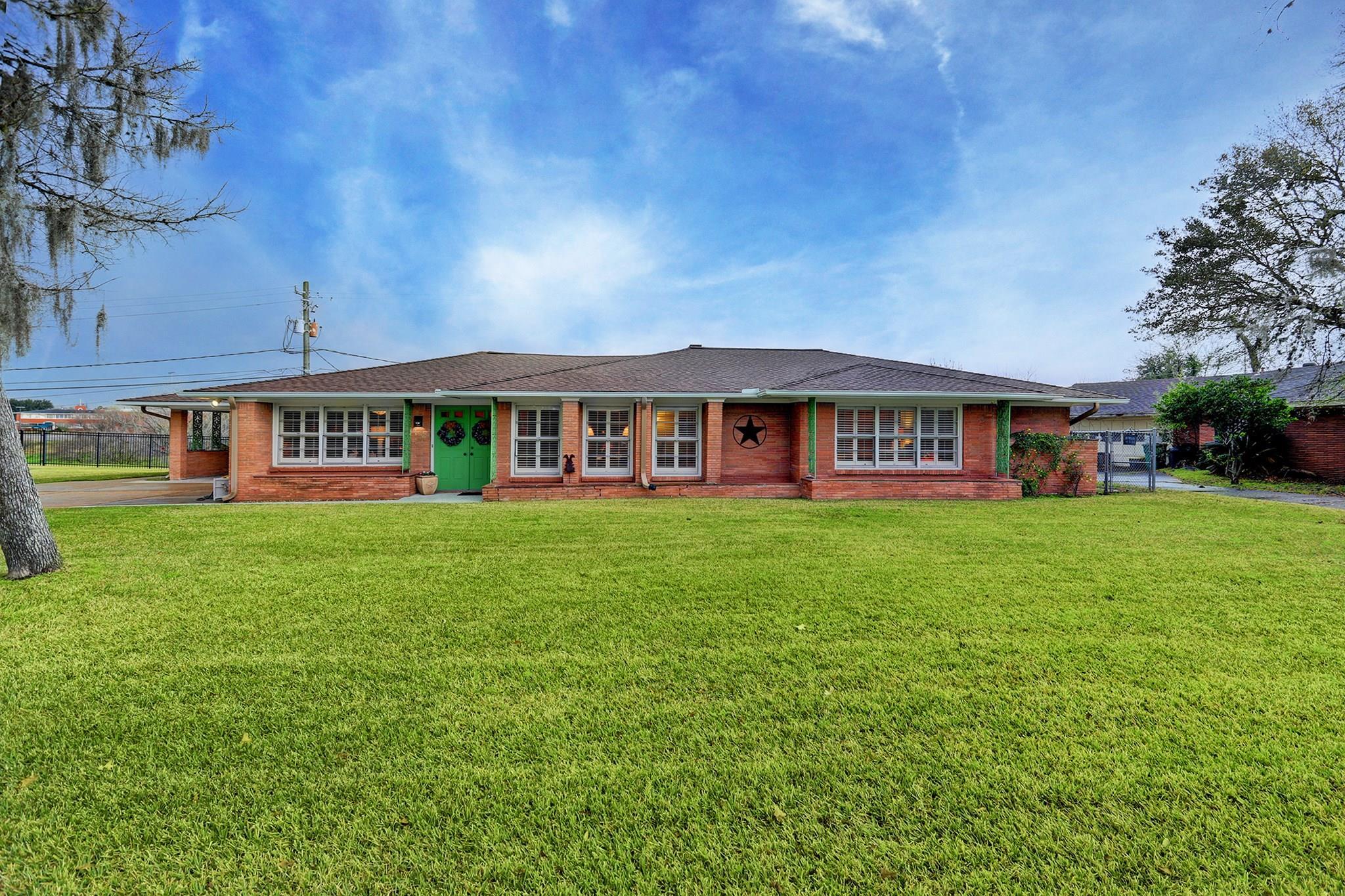 8015 Glen Dell Court Property Photo - Houston, TX real estate listing