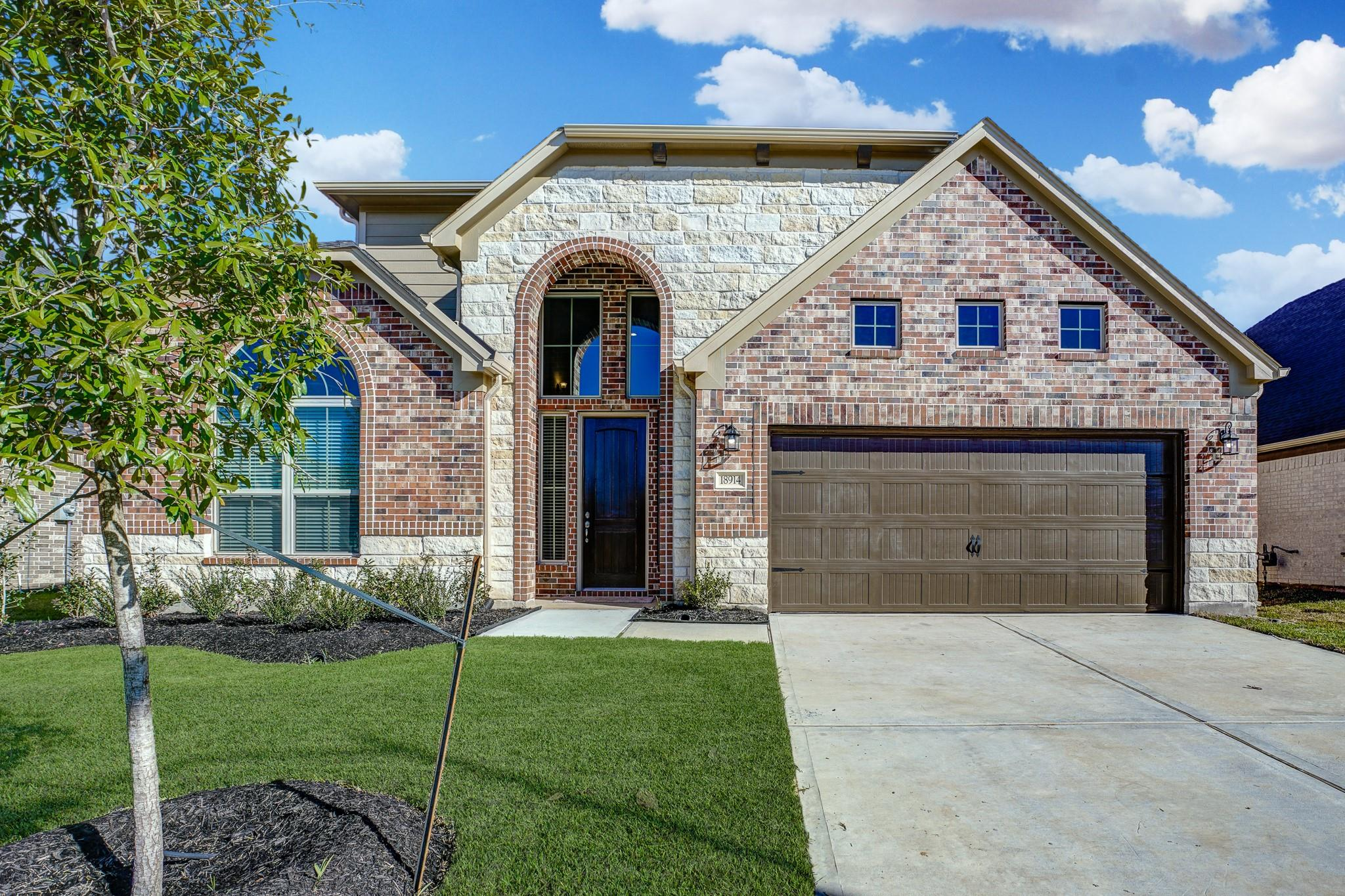 18914 Greater Oaks Court Property Photo