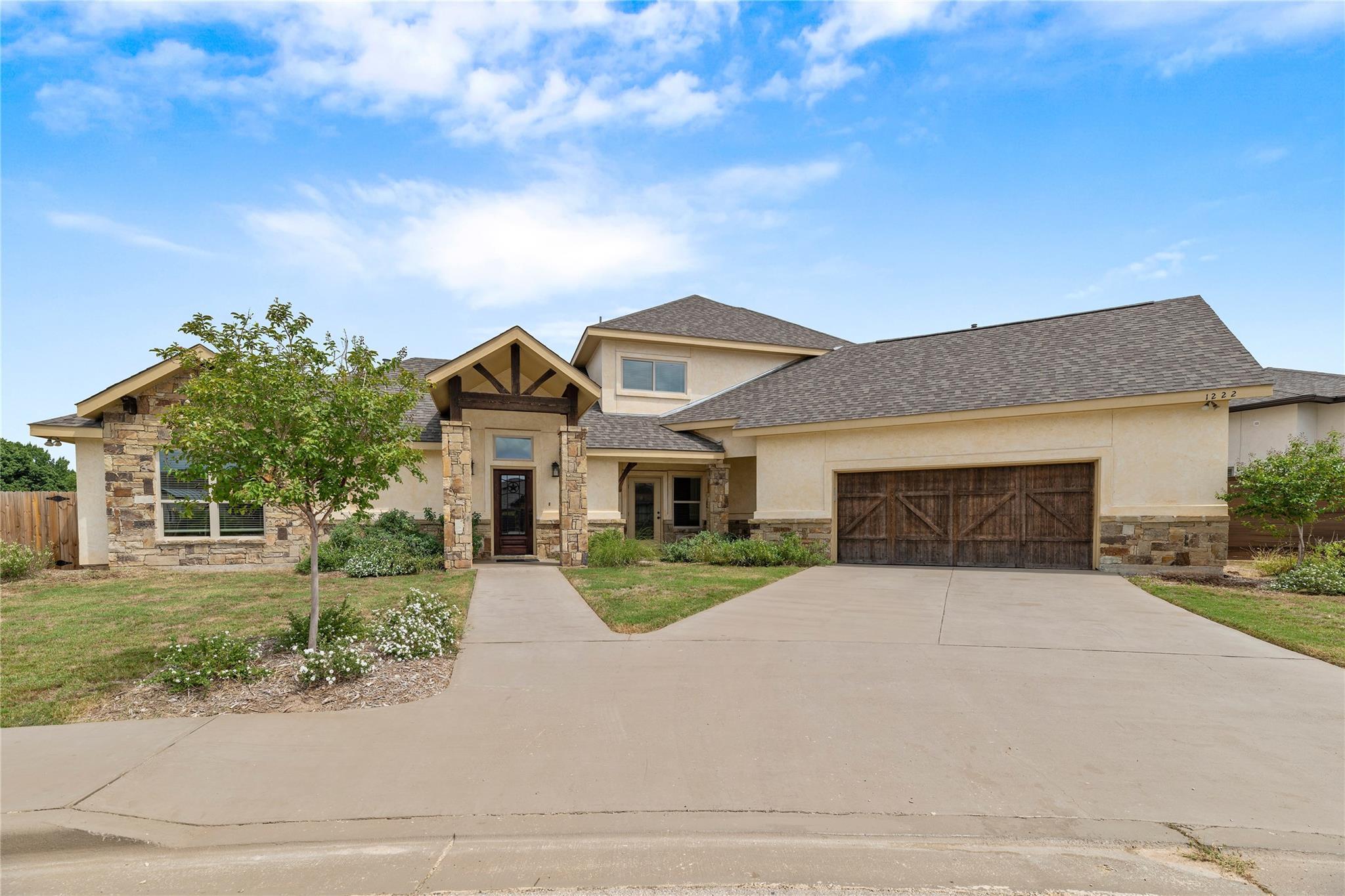 1222 Gruene Estates Property Photo - New Braunfels, TX real estate listing