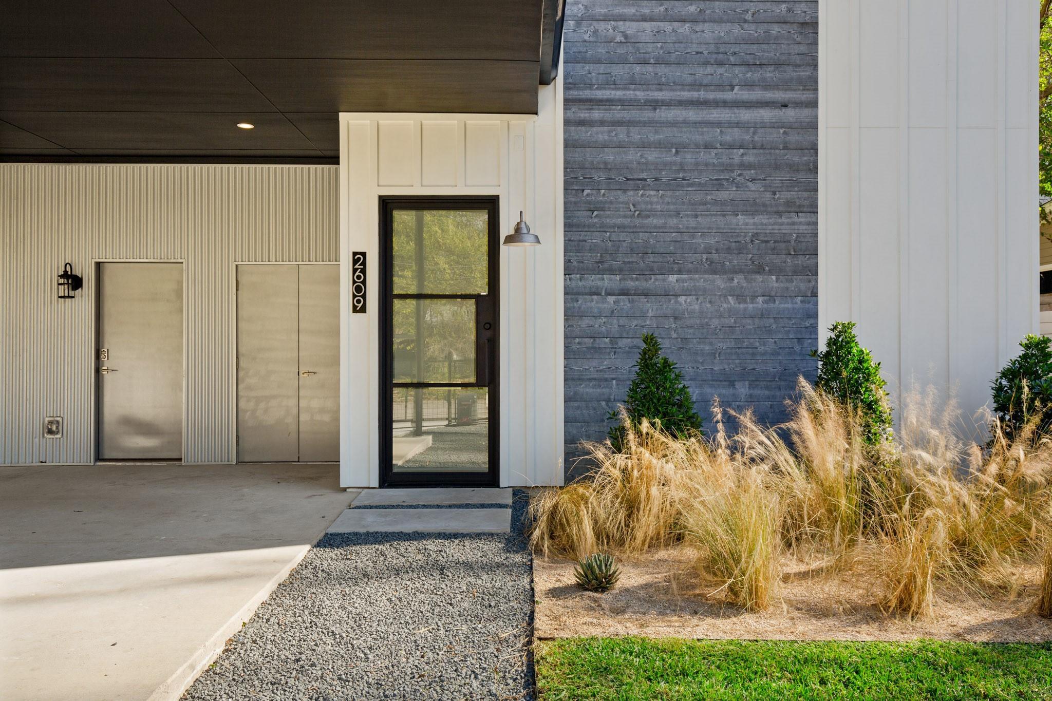2609 Euclid Avenue Property Photo - Austin, TX real estate listing