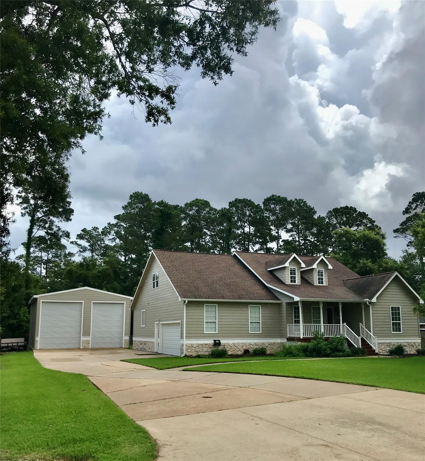 3515 E Country Club Drive Property Photo