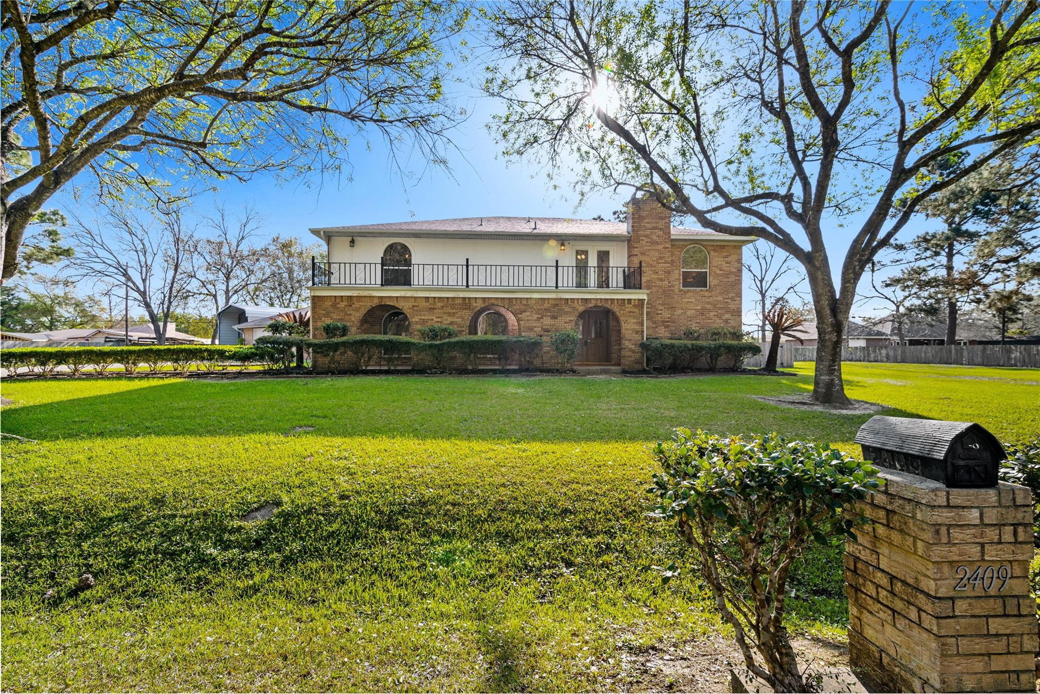 2409 Williams Drive Property Photo - La Marque, TX real estate listing