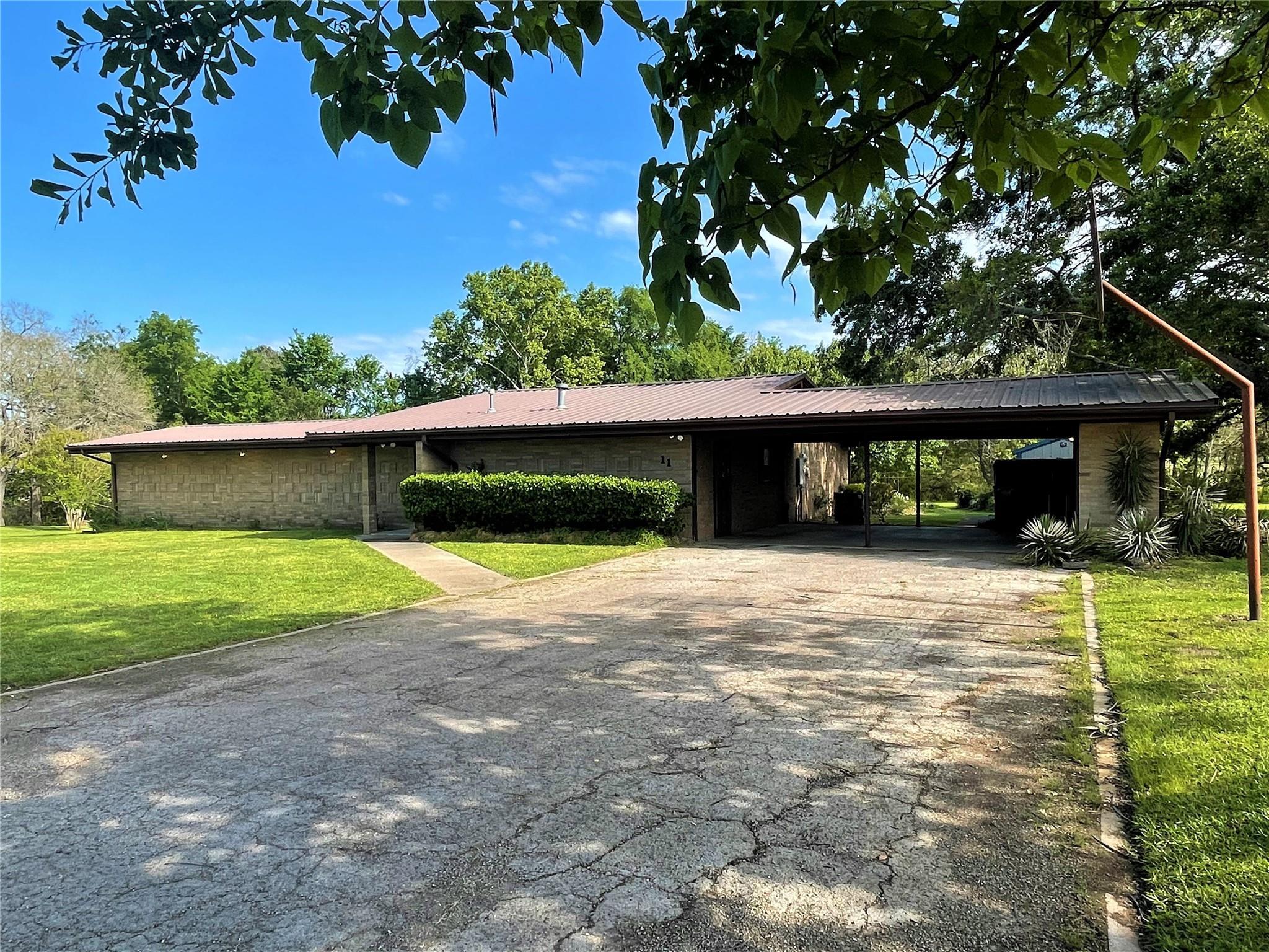 11 Mimosa Lane Property Photo - Teague, TX real estate listing