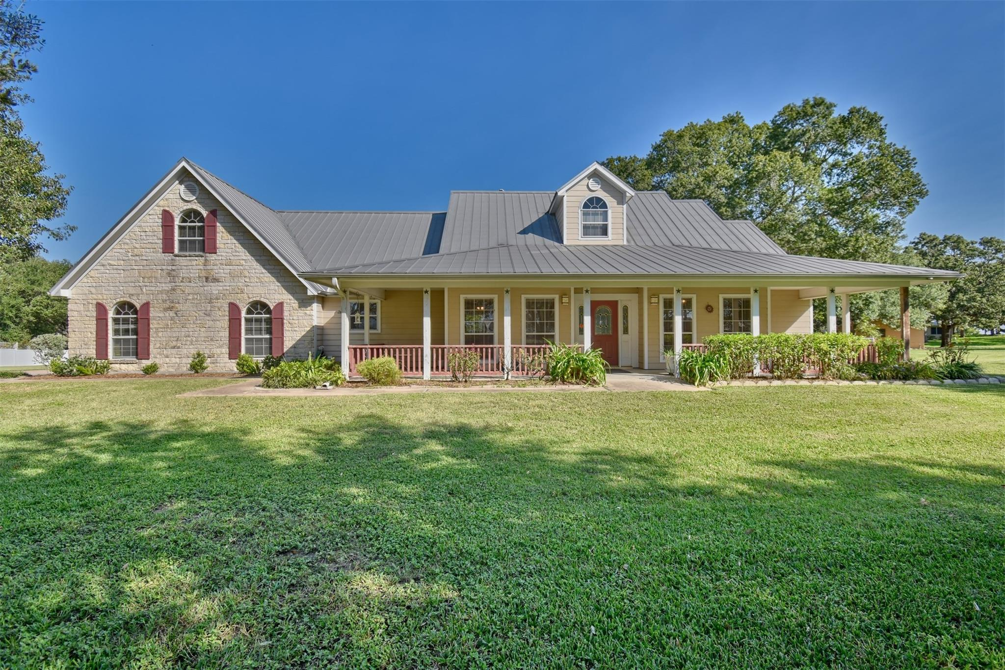 6942 Skull Creek Road Property Photo - Fayetteville, TX real estate listing