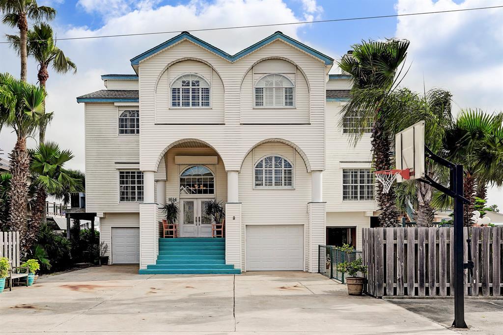 1614 Castaway Street, Tiki Island, TX 77554 - Tiki Island, TX real estate listing
