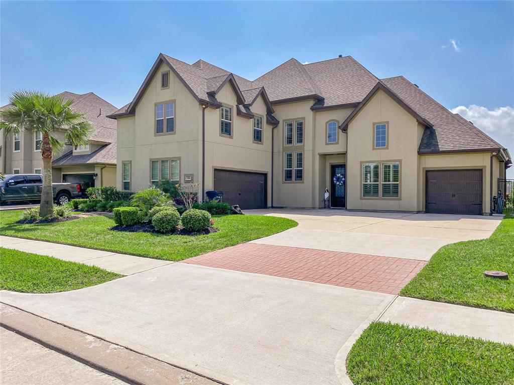 538 Amalfi Drive Property Photo - Kemah, TX real estate listing