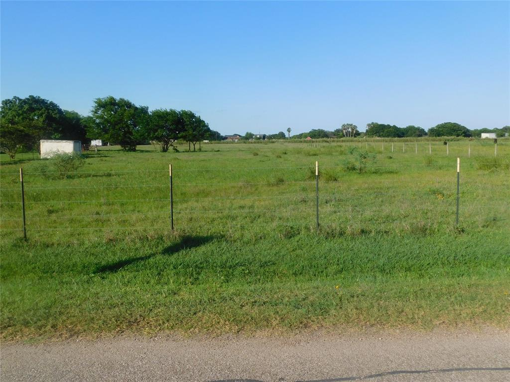 615 Jeffers Road Property Photo - Oyster Creek, TX real estate listing