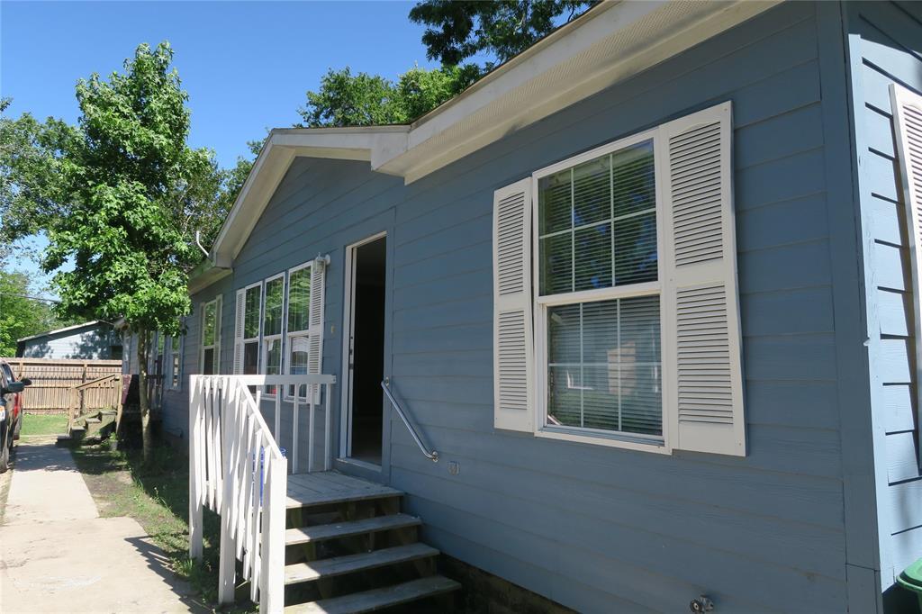 6806 Covington Drive Property Photo - Houston, TX real estate listing