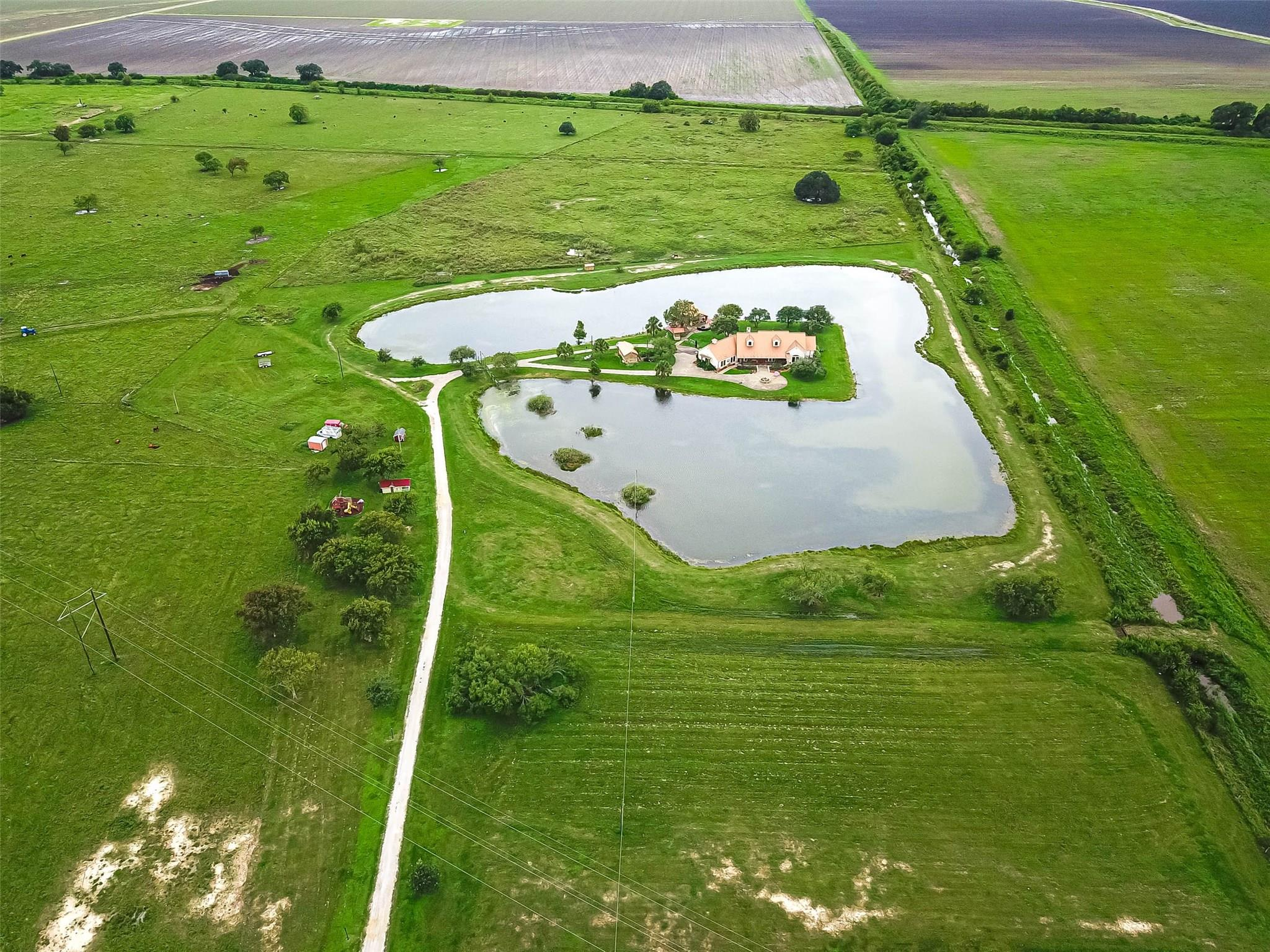 11688 S State Highway 60 Property Photo - Wharton, TX real estate listing