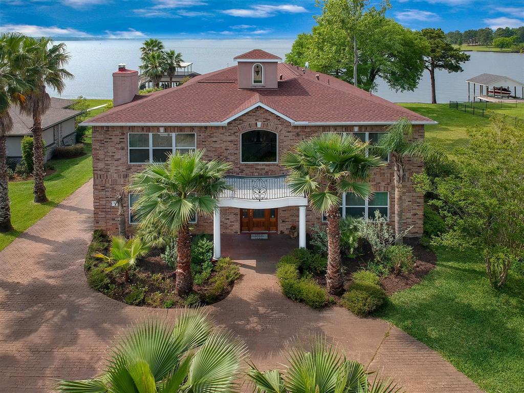 9729 W Shore Drive Property Photo - Willis, TX real estate listing