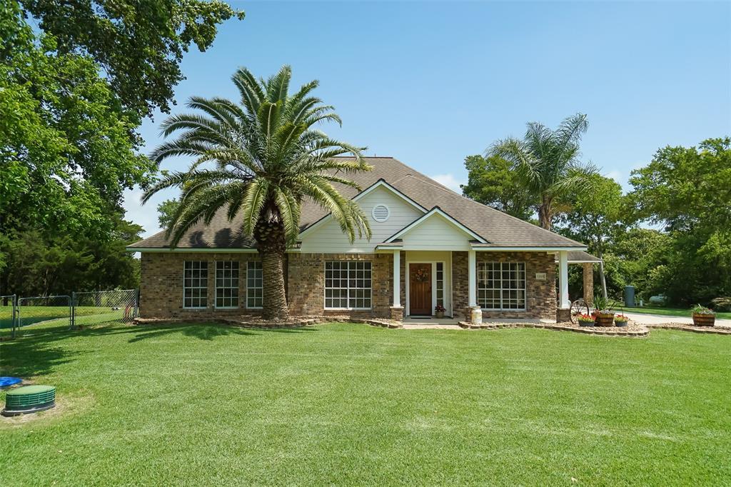 12101 Cedar Gully Road Property Photo - Beach City, TX real estate listing