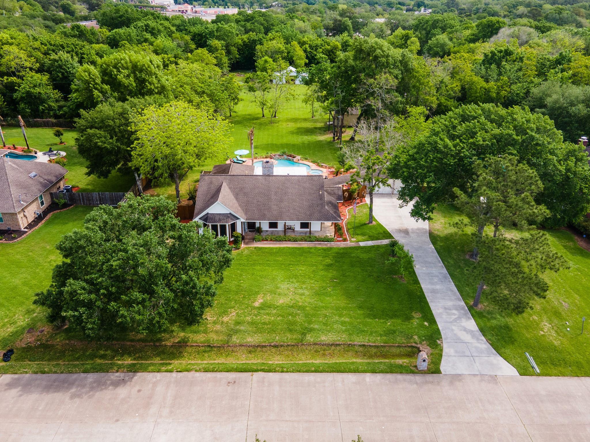 3817 Kellner Road Property Photo - Dickinson, TX real estate listing