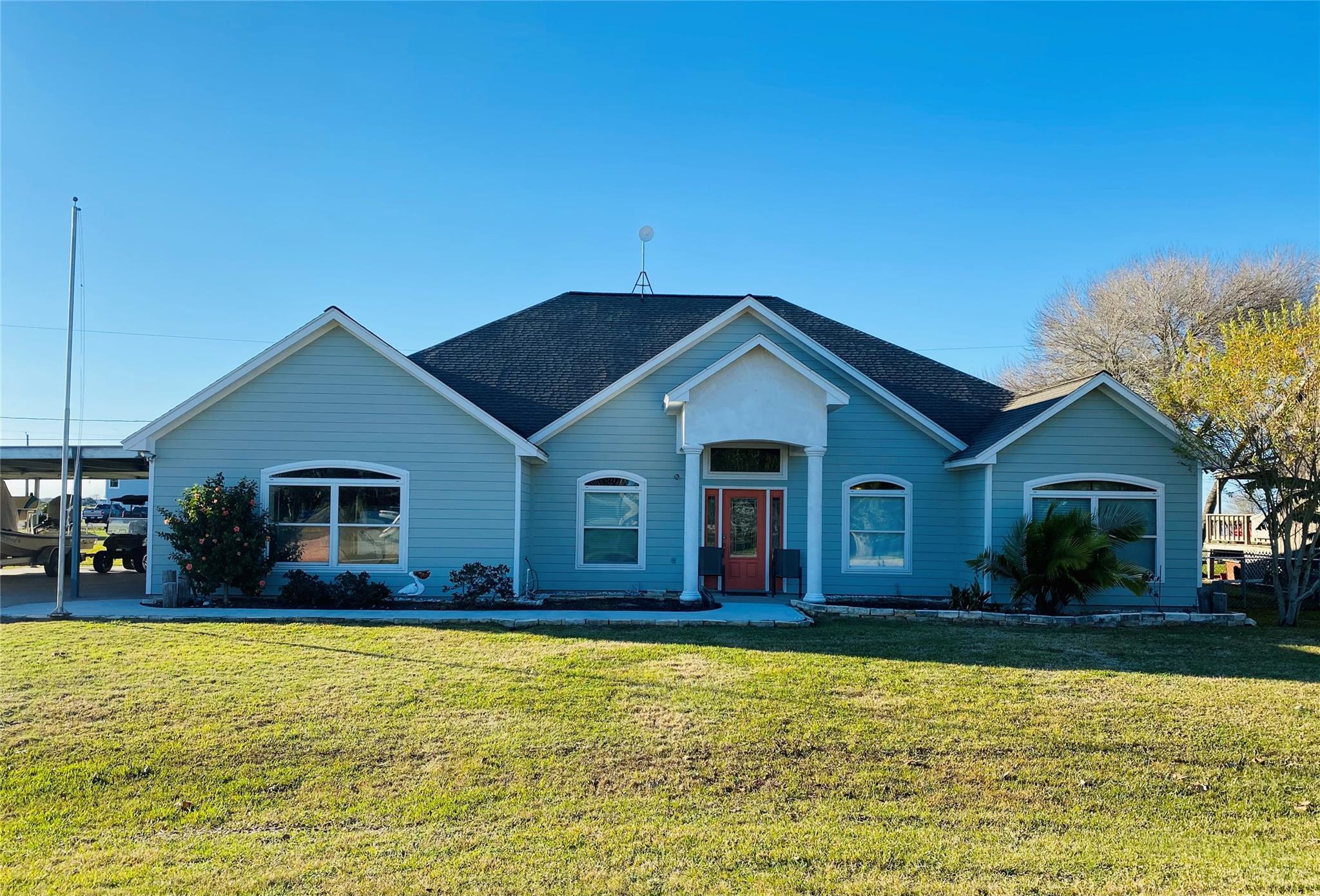 322 Bayview Drive Property Photo - Palacios, TX real estate listing