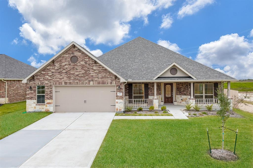 920 White Willow Drive Property Photo - Texas City, TX real estate listing