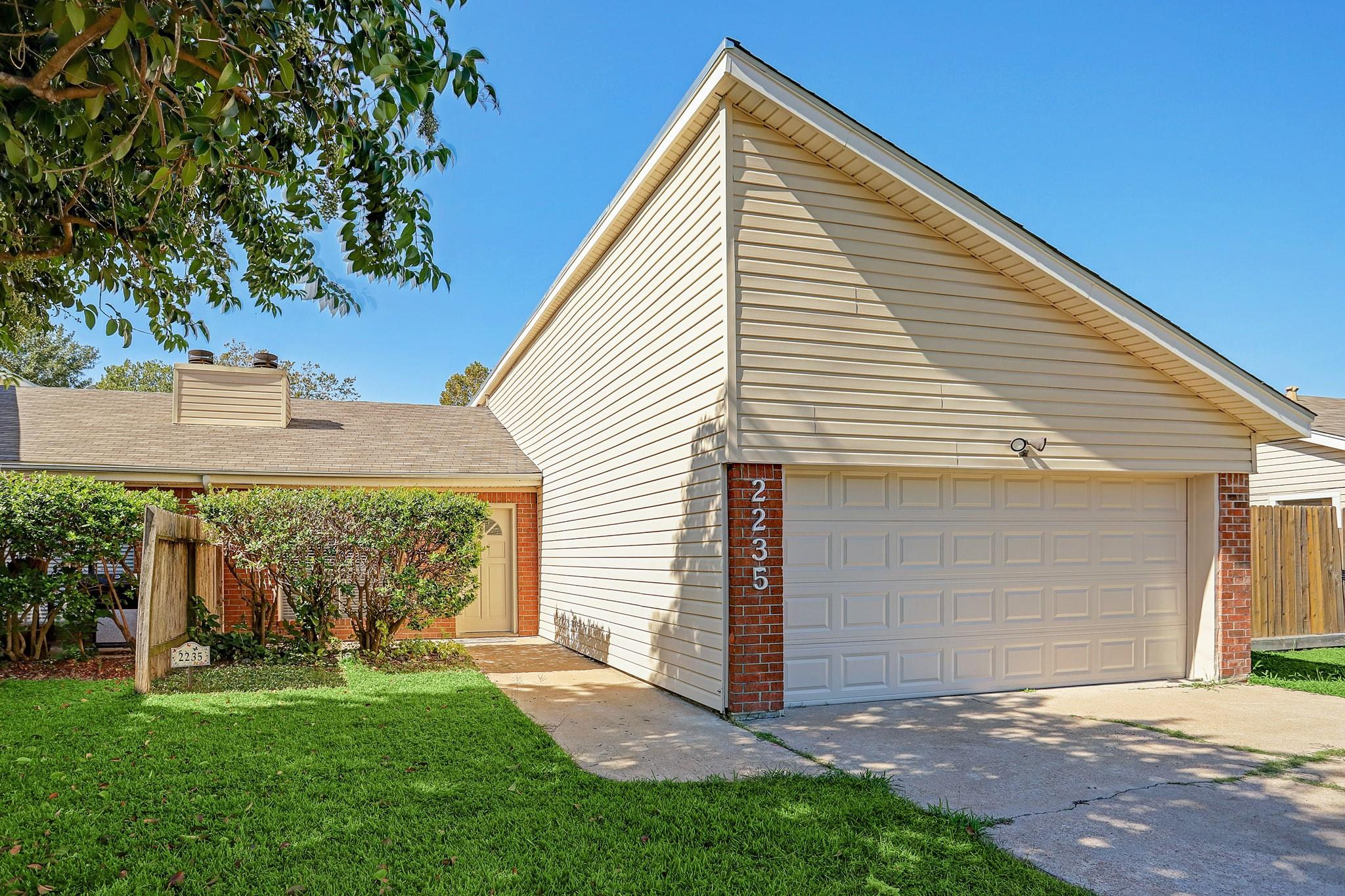 2233 Mckean Drive Property Photo