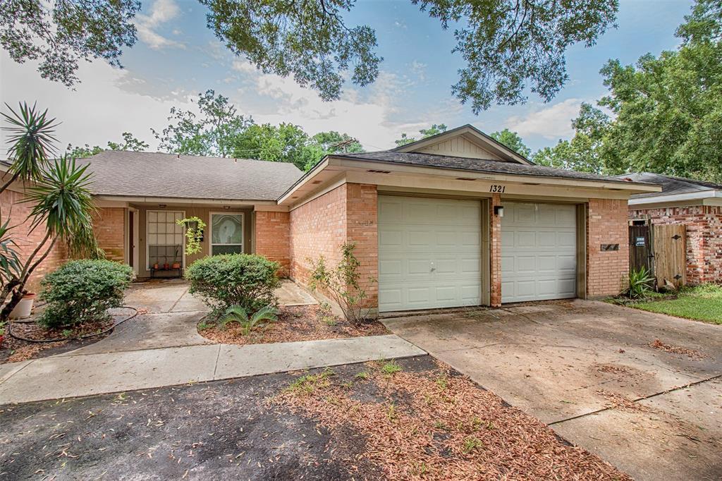 1319 Bellgrove Drive Property Photo - El Lago, TX real estate listing