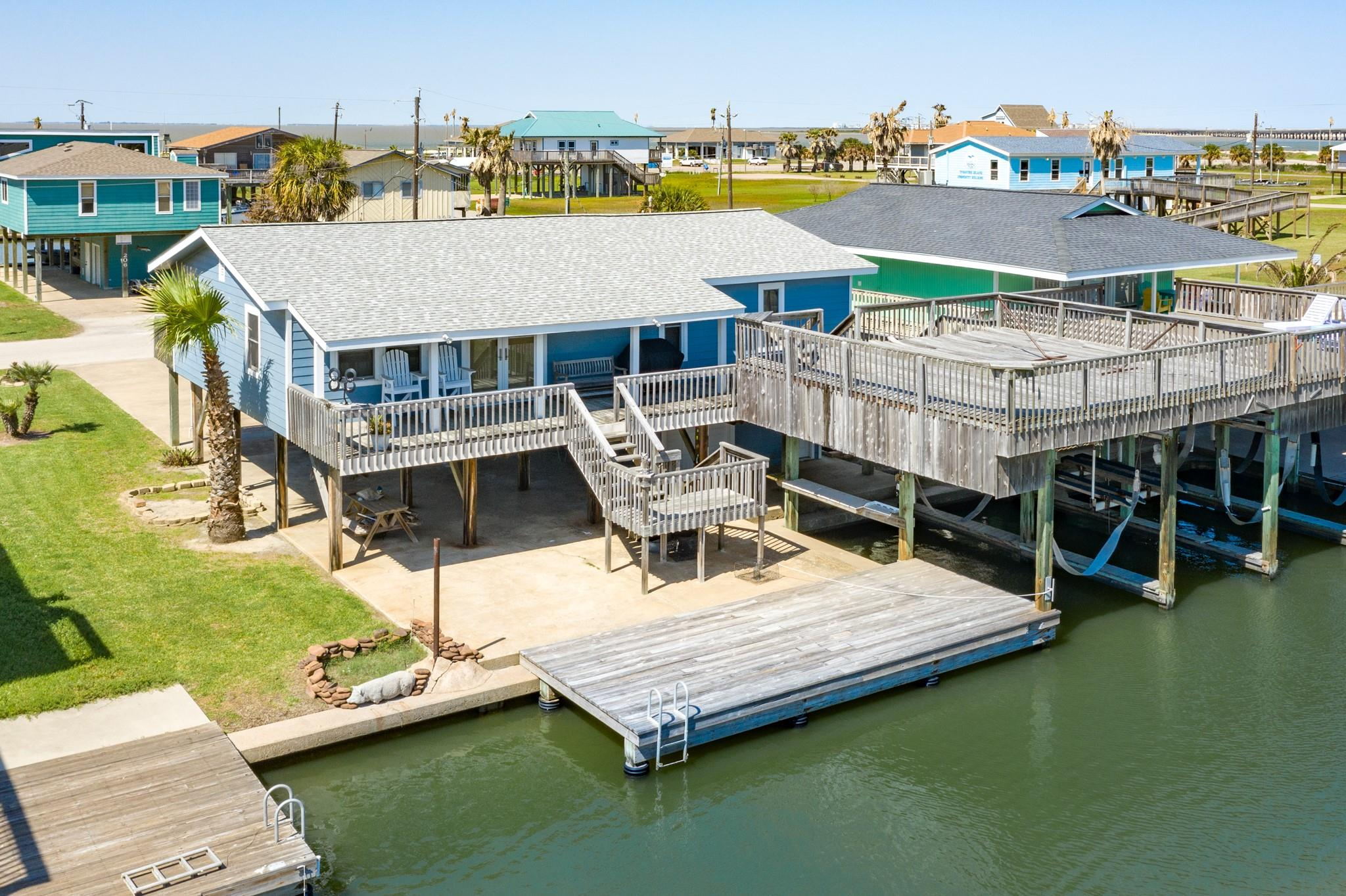 207 Galleon Drive Property Photo - Freeport, TX real estate listing