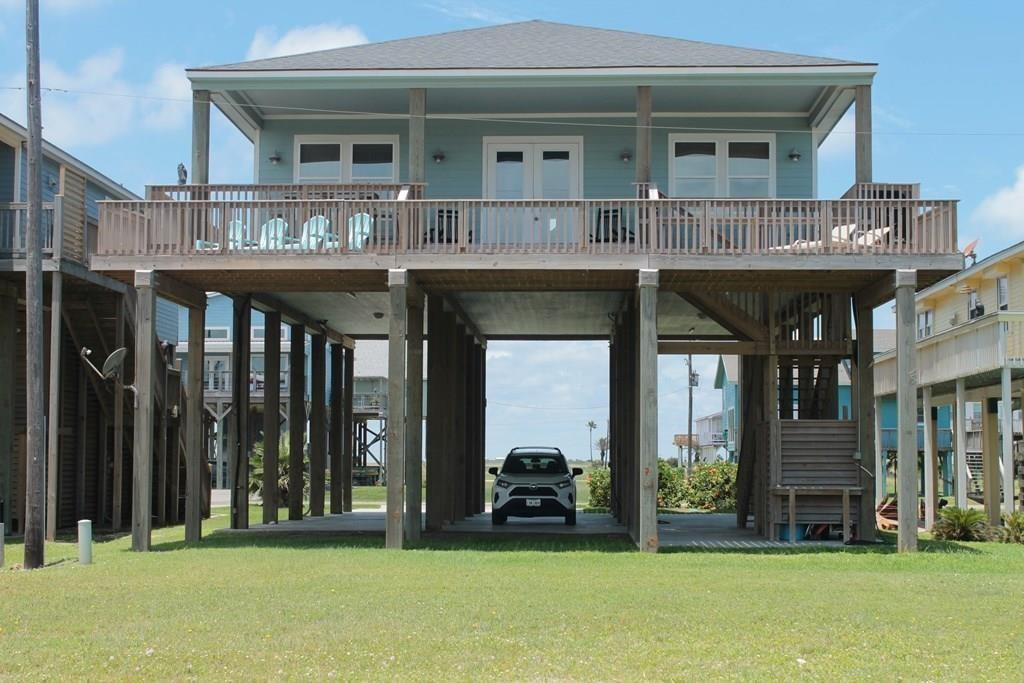 12888 Buccaneer Parkway Property Photo - Freeport, TX real estate listing