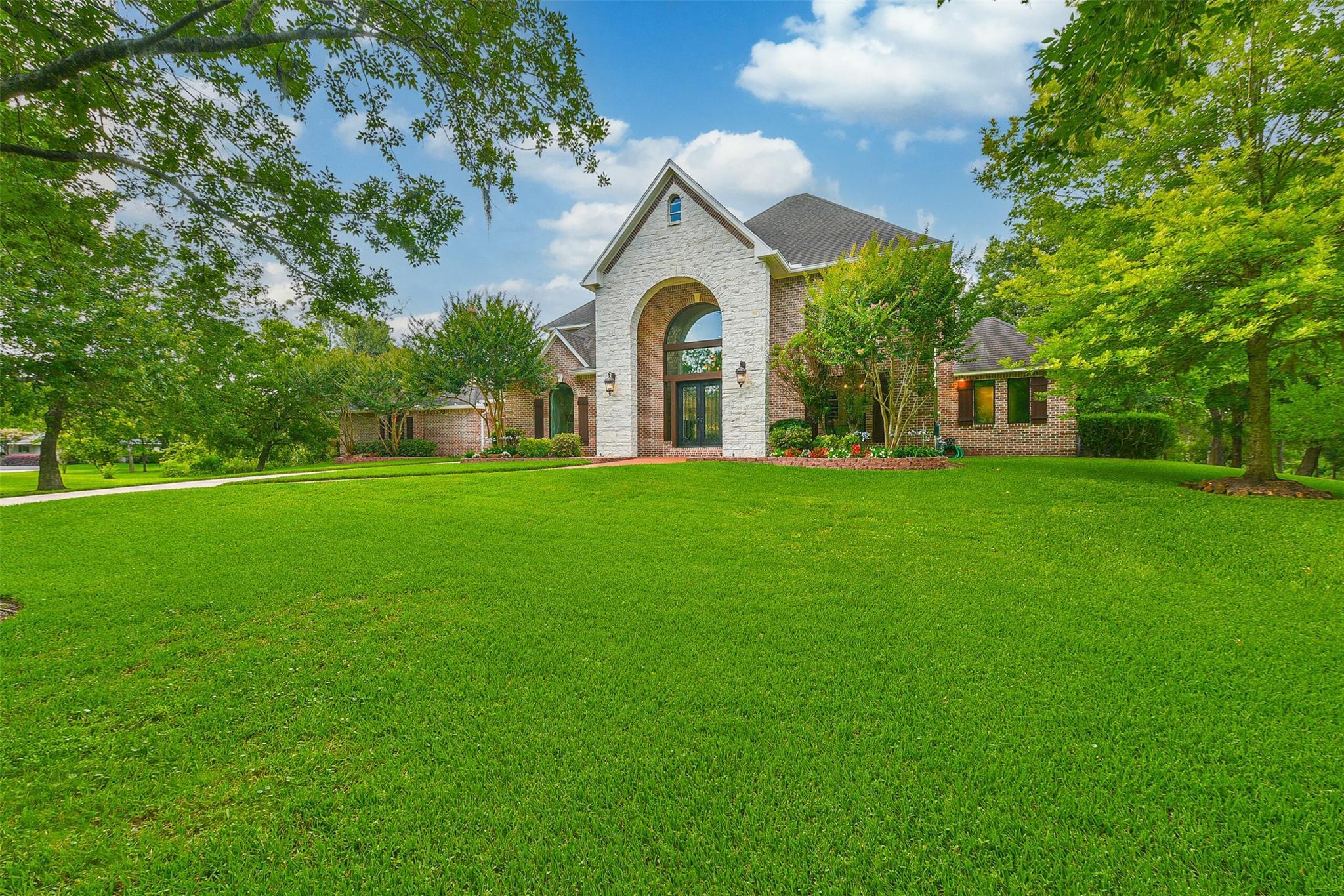 707 Oak Drive Property Photo