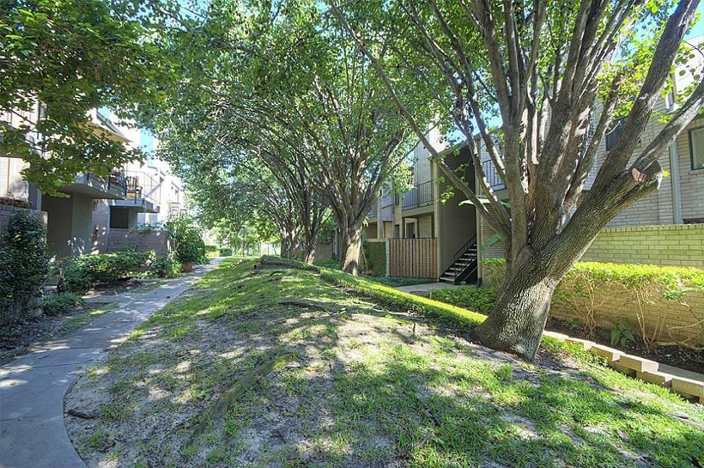 10811 Richmond Avenue #39 Property Photo 1