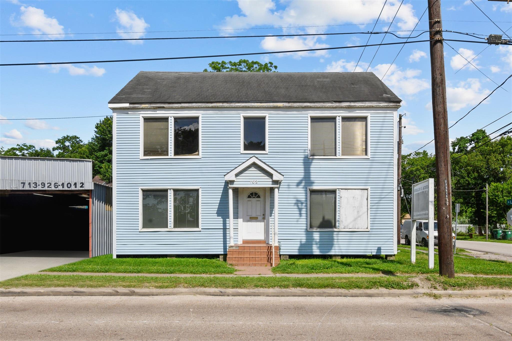 102 S Lockwood Drive Property Photo