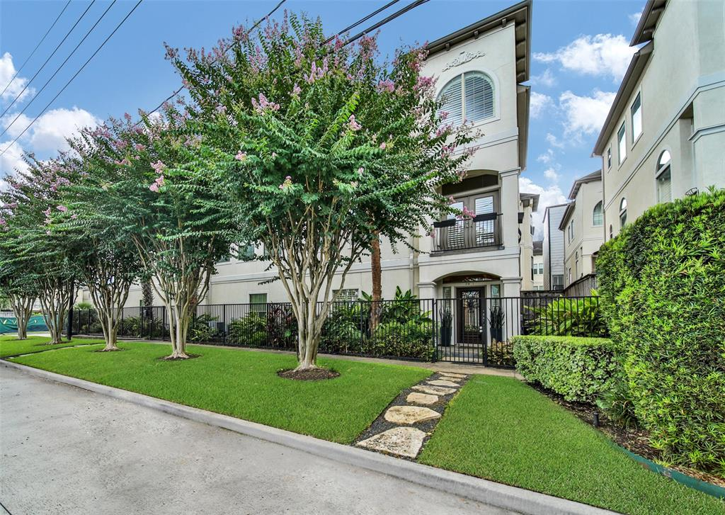 2811 Albany Street Property Photo - Houston, TX real estate listing