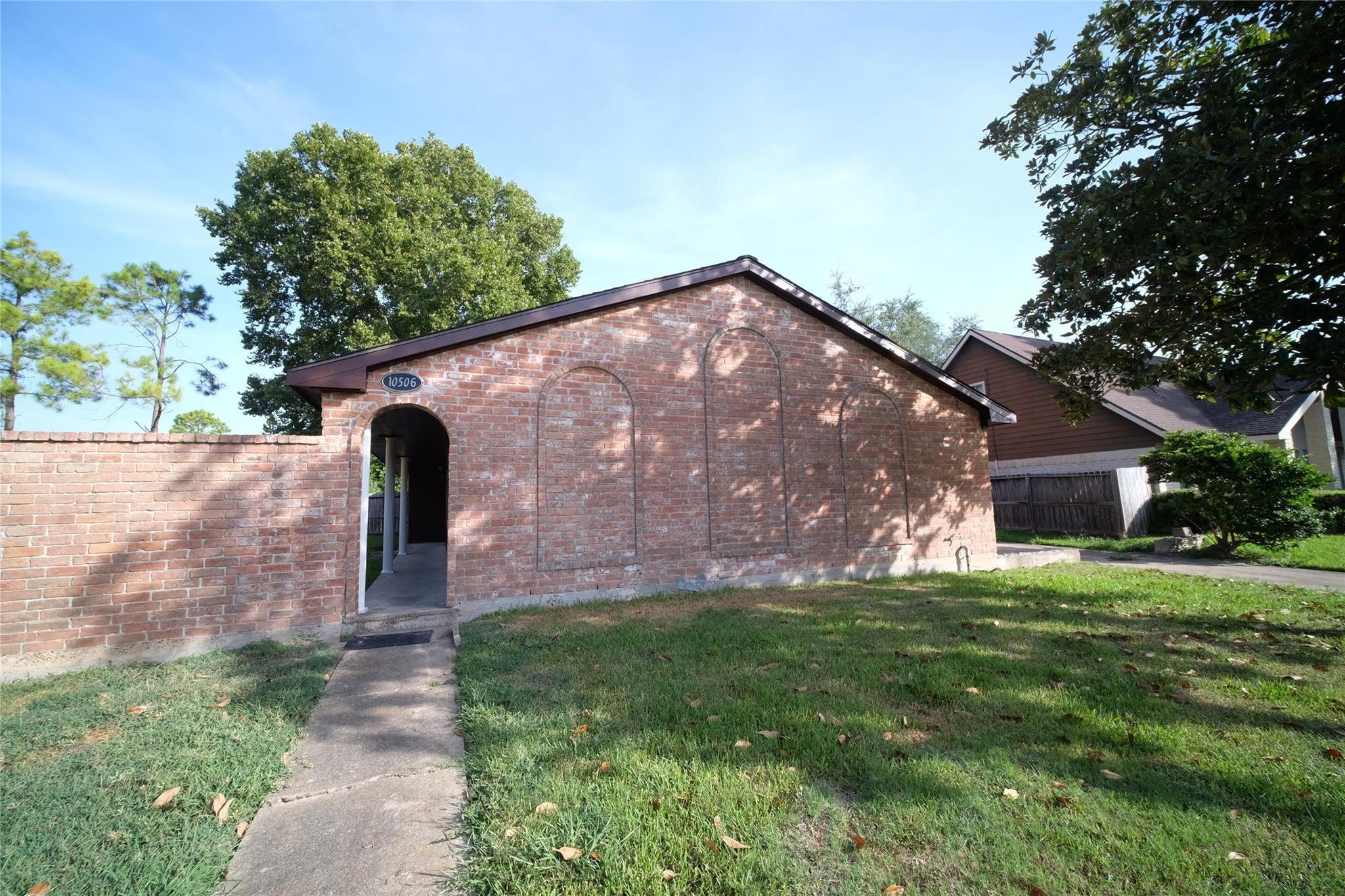 10506 Huntington Way Drive Property Photo - Houston, TX real estate listing