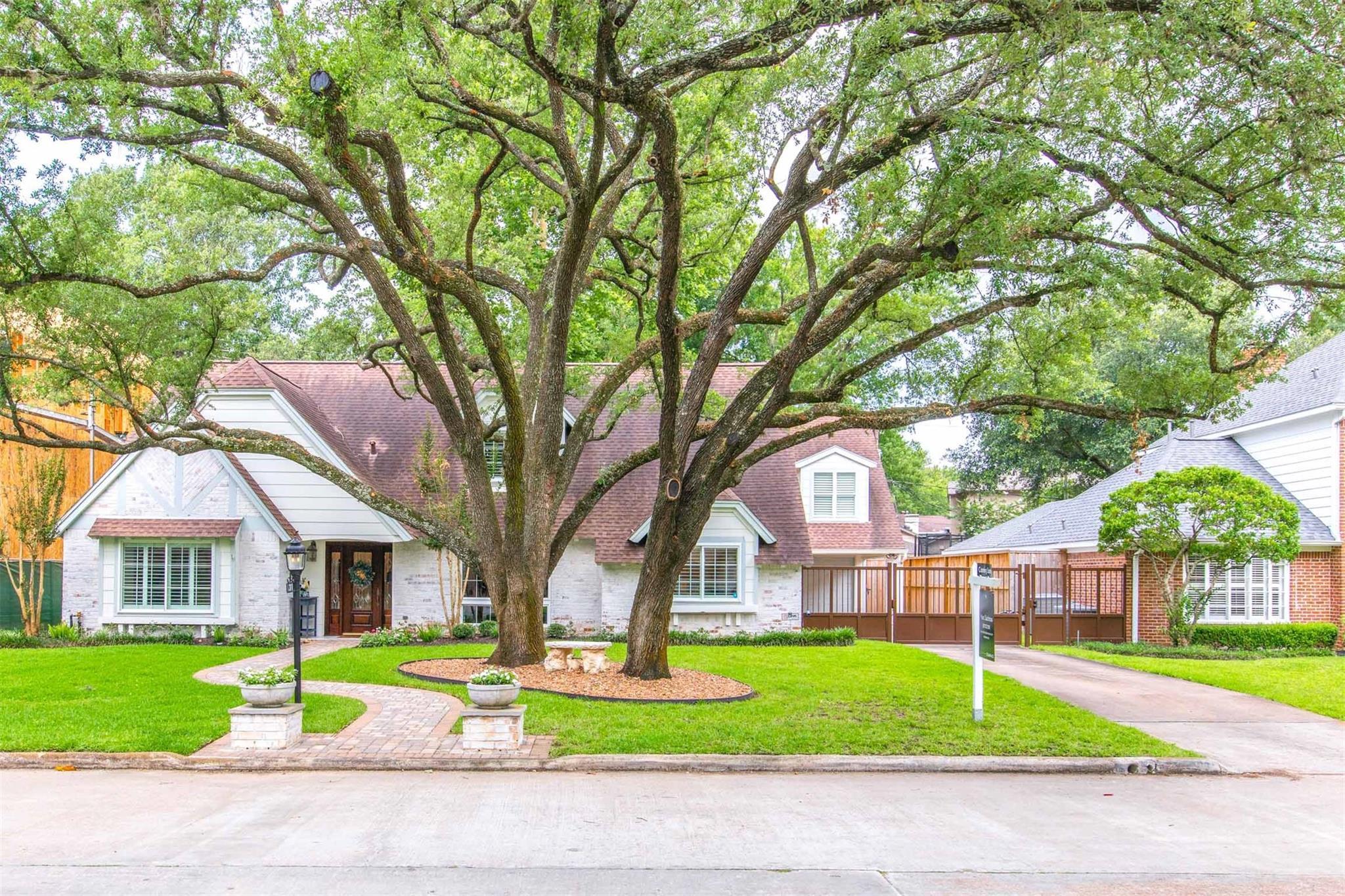 311 Southchester Lane Property Photo