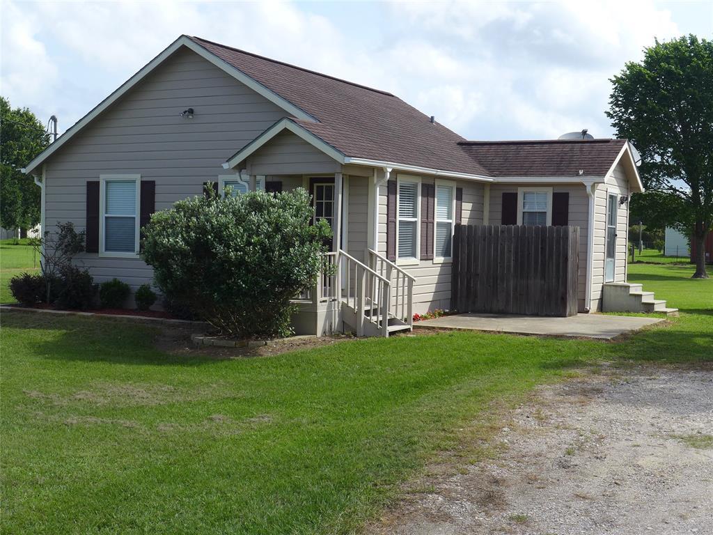 740 Johnston Road Property Photo - Wallis, TX real estate listing