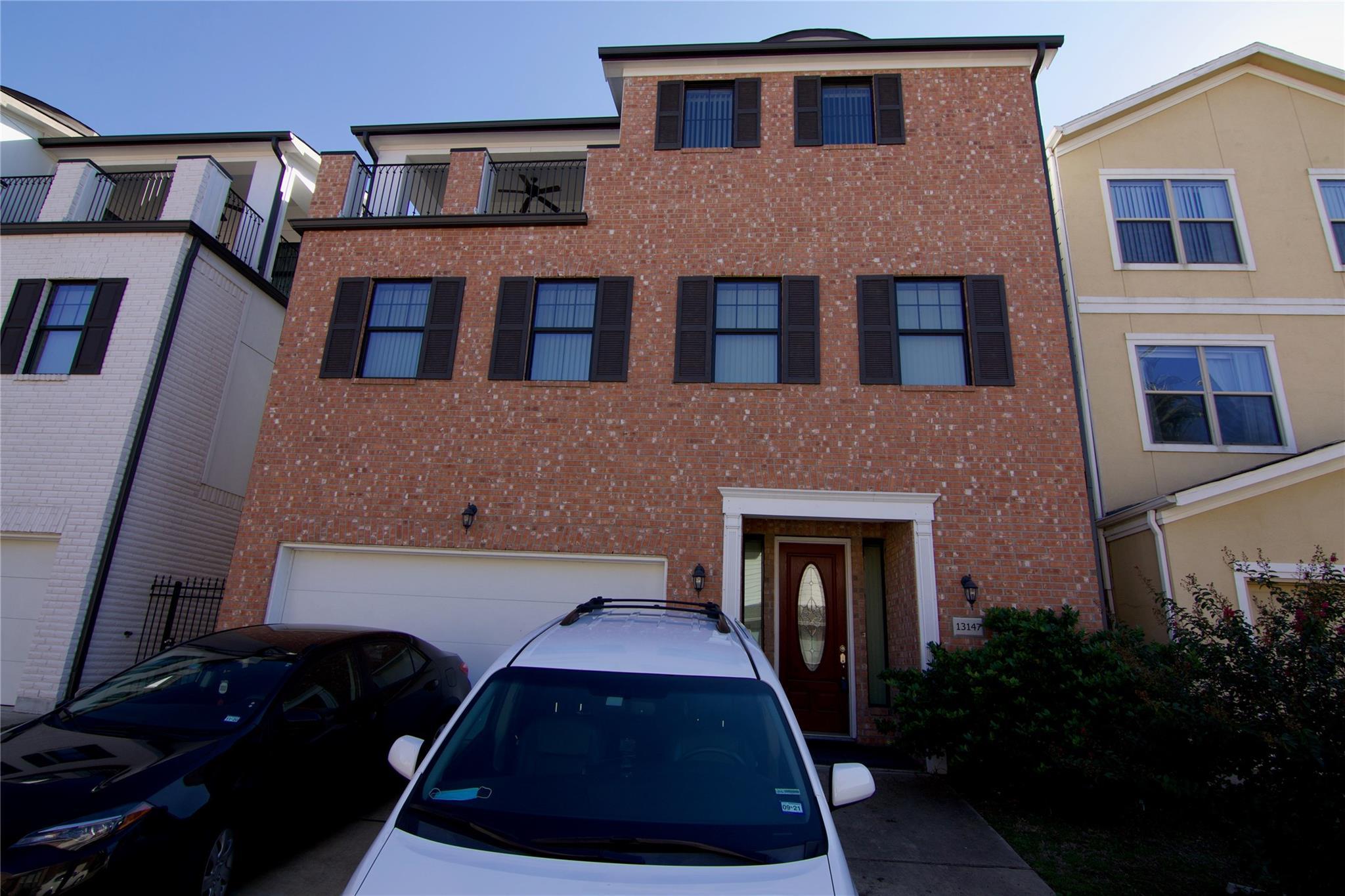 13147 N Bellaire Estates Drive Property Photo - Houston, TX real estate listing