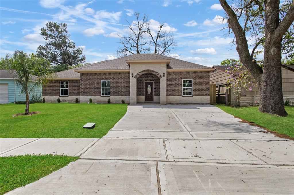806 Armor Avenue Property Photo - Pasadena, TX real estate listing