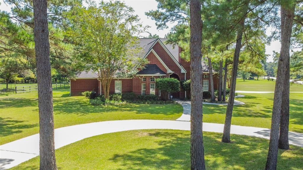 32802 Couples Court Property Photo - Magnolia, TX real estate listing