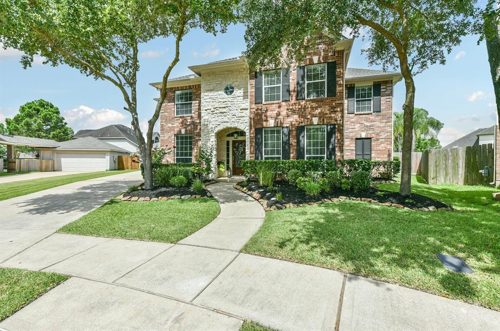 3201 Autumn Bay Court Property Photo - Friendswood, TX real estate listing