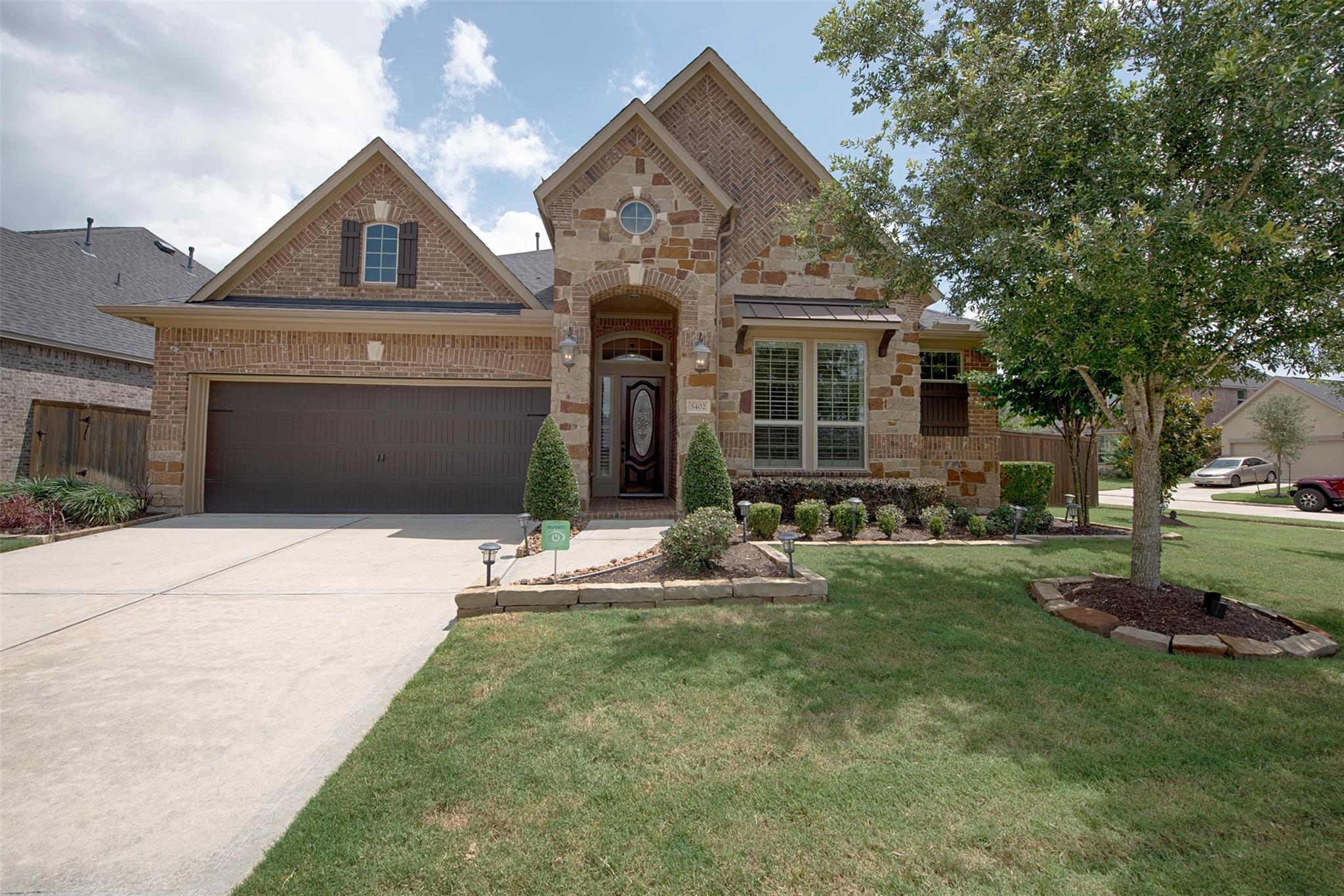 5402 Vista Bluff Lane Property Photo