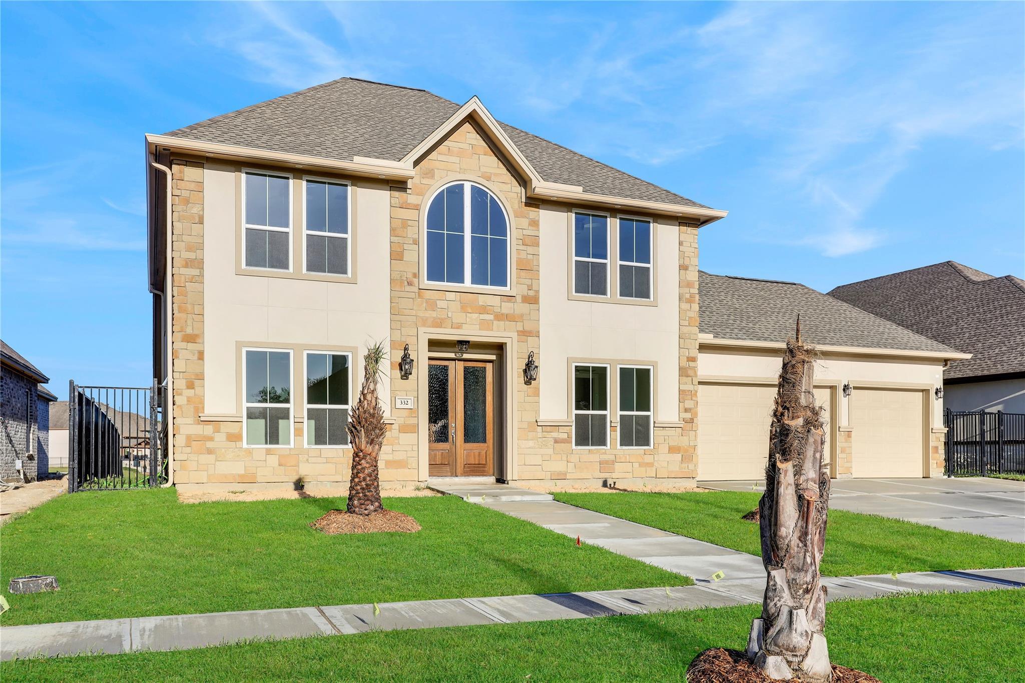 332 Twin Timbers Lane Property Photo - Kemah, TX real estate listing