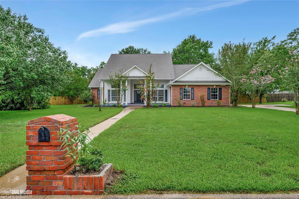 118 Colonial Hill Drive Property Photo - Lufkin, TX real estate listing