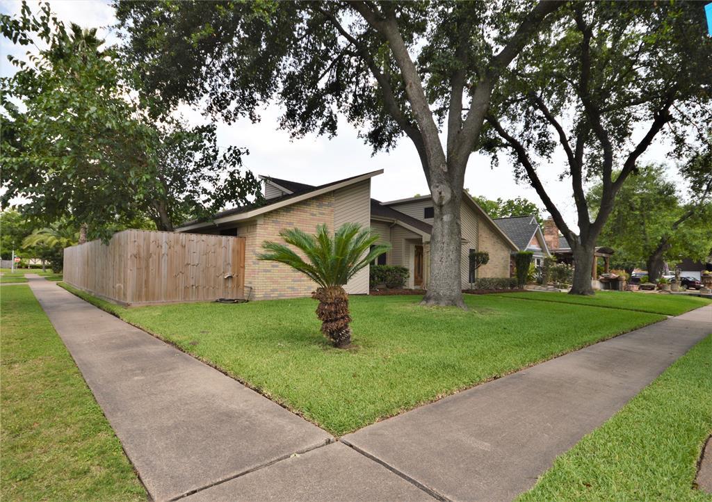 2326 Walnut Court Property Photo - Deer Park, TX real estate listing