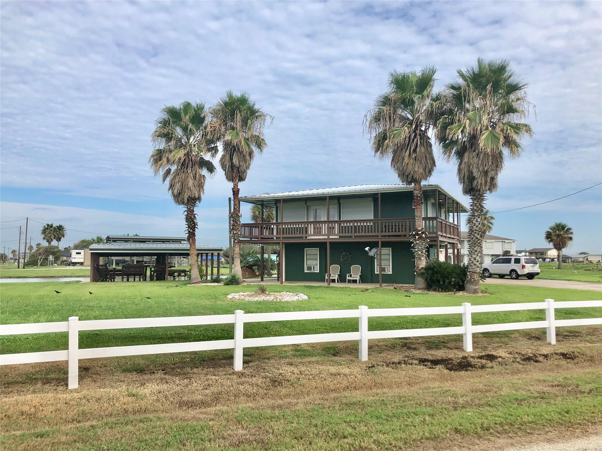 12153 County Road 204 Property Photo - Sargent, TX real estate listing