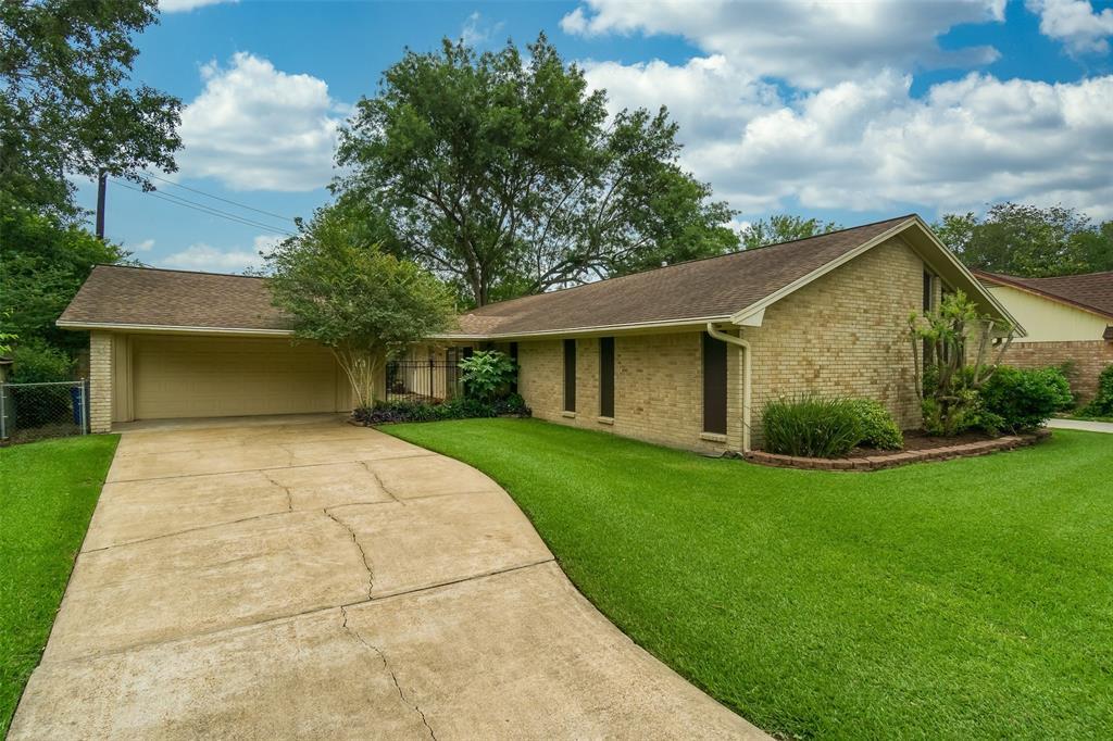 527 Misty Lake Drive Property Photo - El Lago, TX real estate listing