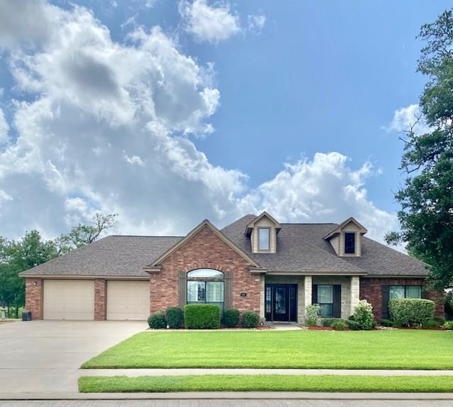 117 Pintail Drive Property Photo - Clute, TX real estate listing