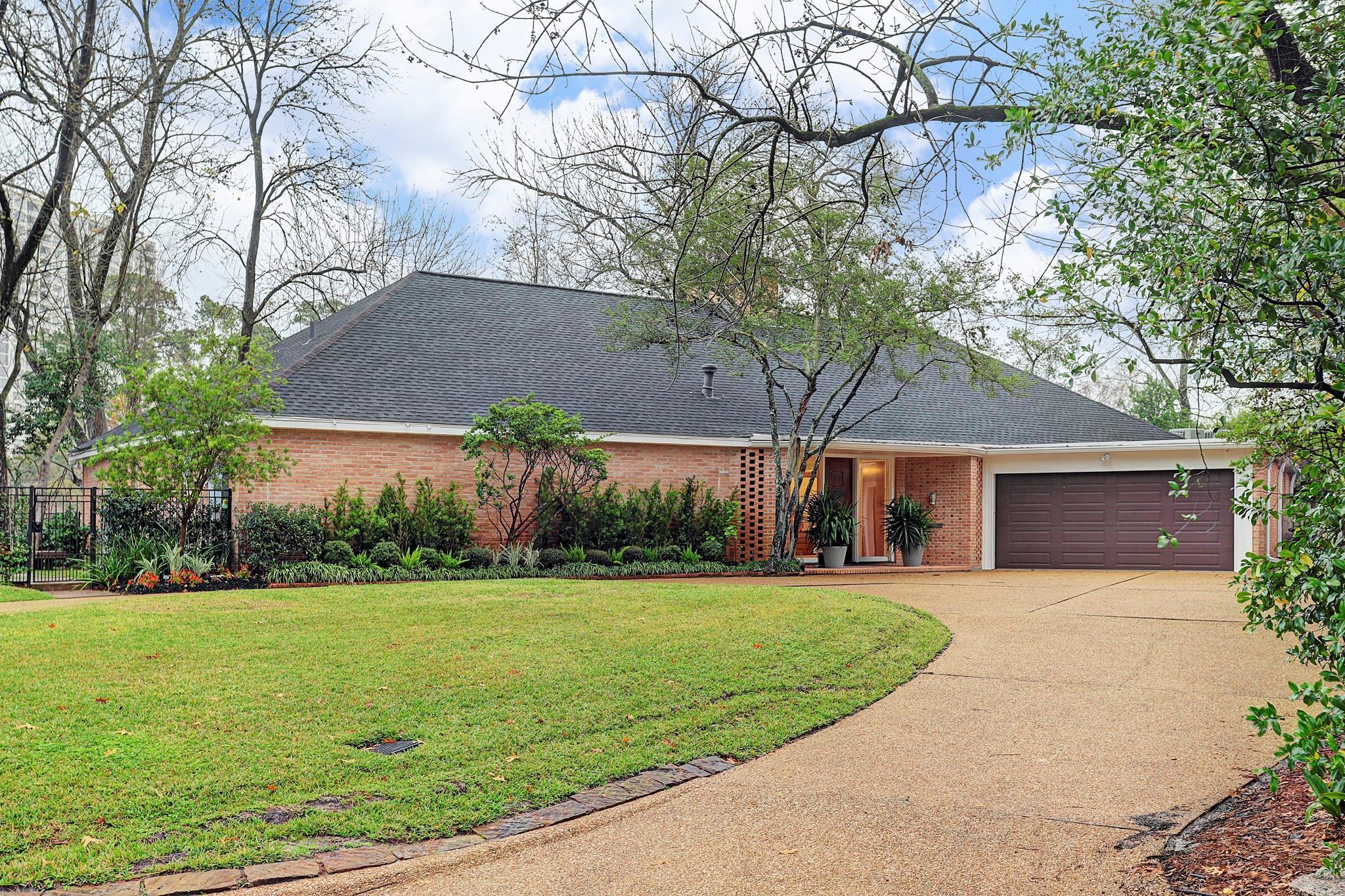 210  Pine Hollow Lane Houston Texas 77056, Houston
